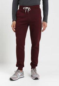 Pier One - Teplákové kalhoty - bordeaux - 0