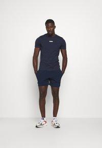 Jack & Jones Performance - JCOZSS TEE - Basic T-shirt - navy blazer - 1