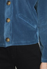 Moss Copenhagen - FLORINA JACKET - Lehká bunda - blue horizon - 3