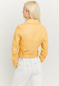 TALLY WEiJL - Faux leather jacket - yellow - 2
