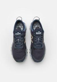 New Balance - FRESH FOAM ARISHI - Neutral running shoes - outerspace/thunder - 3