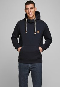 Jack & Jones PREMIUM - JPRBLUTOM HIGH NECK HOOD  - Sweat à capuche - navy blazer - 0