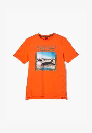 MIT FOTOPRINT - Print T-shirt - orange