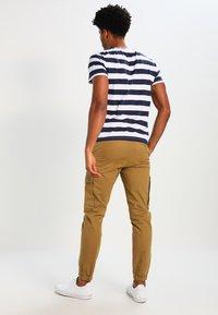 YOURTURN - Print T-shirt - dark blue/white - 2
