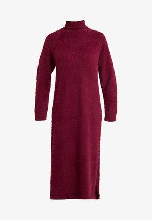 FLUFFY MIDAXI DRESS - Maxikleid - burgundey