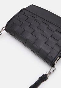 New Look - WOVEN XBODY - Across body bag - black - 4