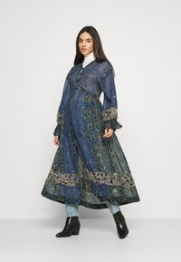 Free People - SAMIRA MAXI - Skjortekjole - midnight - 0