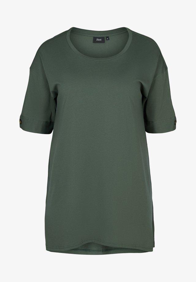 Tunica - green
