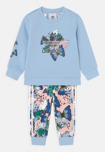 CREW SET - Tracksuit - clear sky/coral/multicolor
