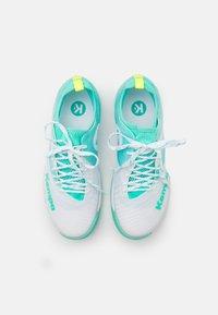 Kempa - WING LITE 2.0 WOMEN - Zapatillas de balonmano - white/turquoise - 3