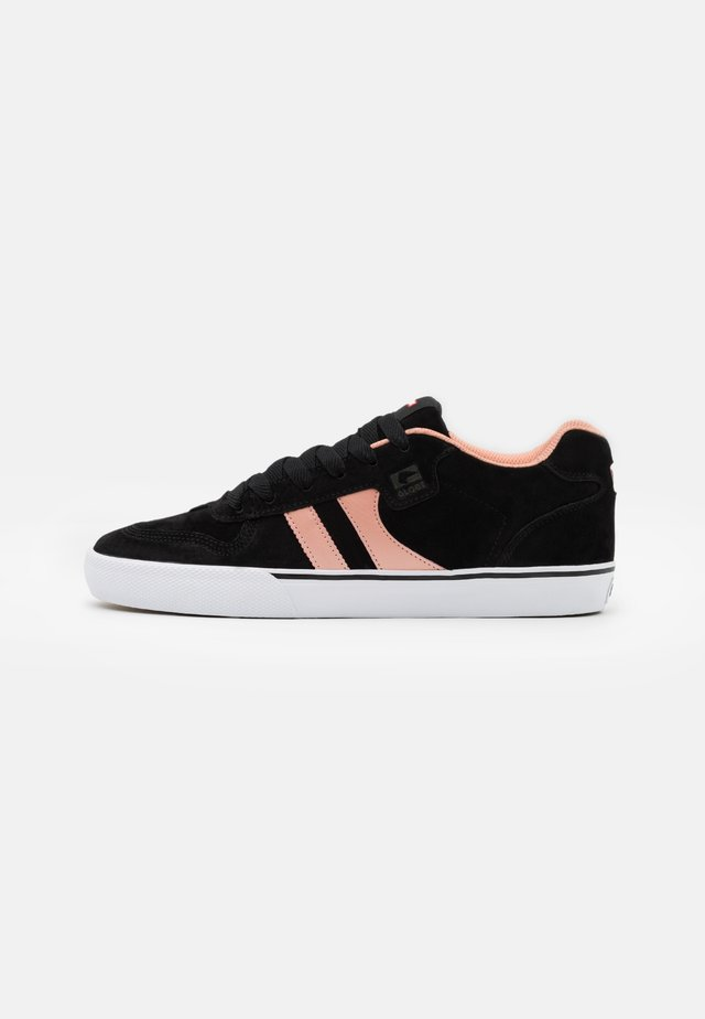 ENCORE  - Skate shoes - black/salmon