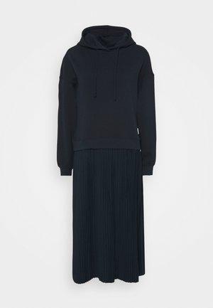 LONGSLEEVE HOODED PLISSÉE SKIRT - Vestido largo - scandinavian blue