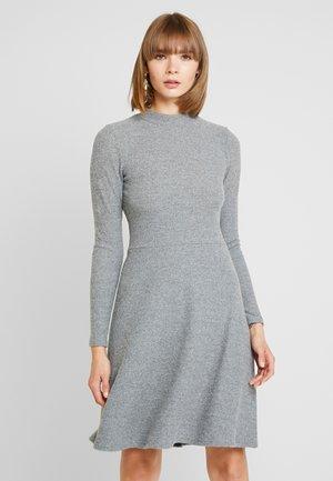 YASFLOSS SKATER DRESS - Gebreide jurk - medium grey melange