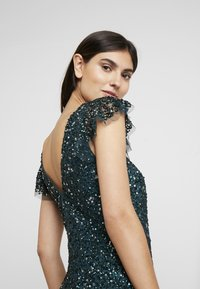 Maya Deluxe - ALL OVER EMBELLISHED DRESS - Occasion wear - emerald - 5