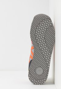 Armani Exchange - RETRO RUNNER - Sneakersy niskie - multicolor - 4