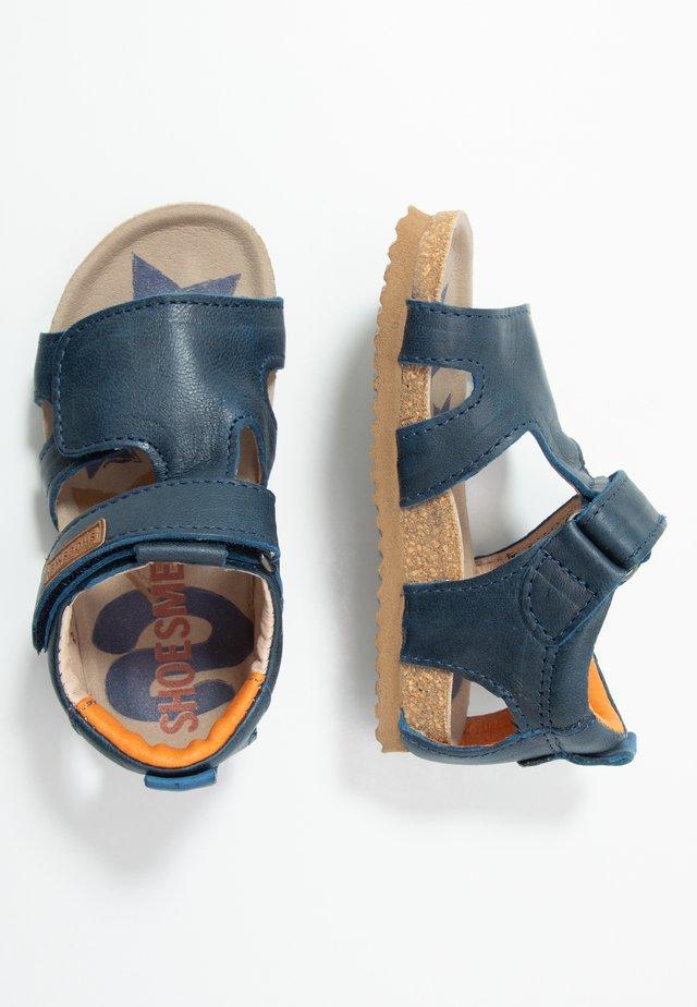 BIO - Sandaalit nilkkaremmillä - marino