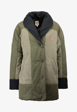 QUEENS - Winter coat - olive