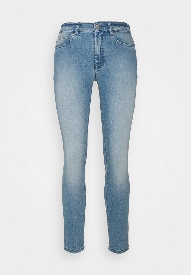 CHARLIE - Skinny džíny - light/pastel blue