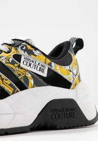 Versace Jeans Couture - Baskets basses - black/yellow - 2