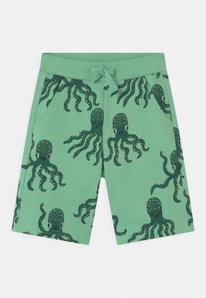 SEA - Kraťasy - green