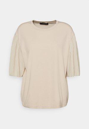 BUGIA - Print T-shirt - sand