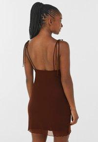 Bershka - Denní šaty - brown - 2