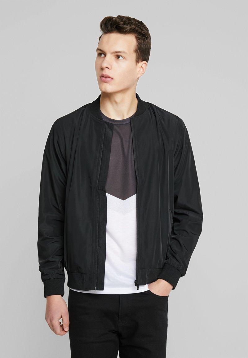 Burton Menswear London - CORE ALL - Bomberjacks - black