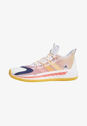 PRO BOOST LOW SHOES - Basketball shoes - white
