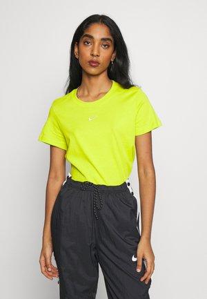 TEE - T-shirts - bright cactus/white