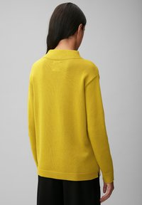 Marc O'Polo - STRUCTURE MIX TURTLENECK - Jumper - fresh pea - 2