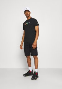 Dickies - MILLERVILLE - Shorts - black - 1