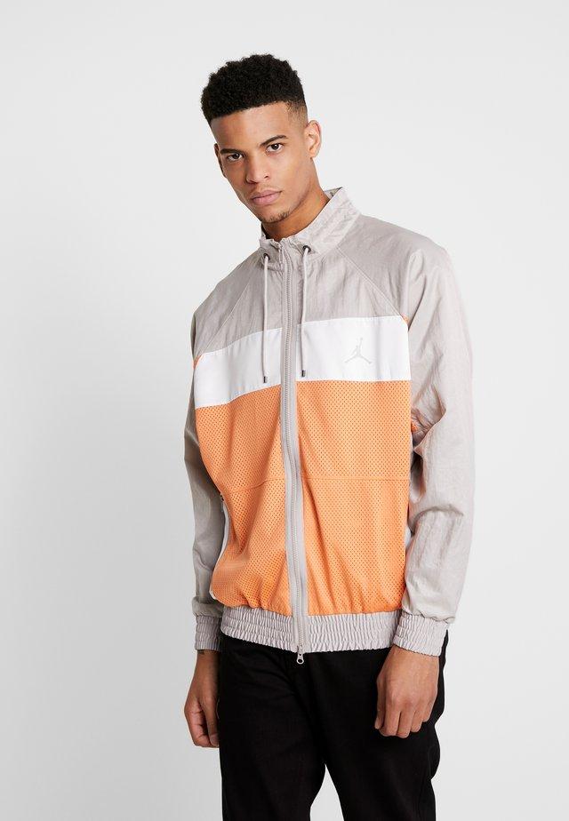 WINGS SUIT  - Training jacket - orange trance/moon particle/white