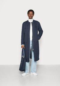 esmé studios - LONG LOOSE QUILT COAT - Classic coat - dark sapphire - 1