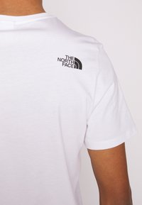 The North Face - Print T-shirt - white/clear lake blue - 5