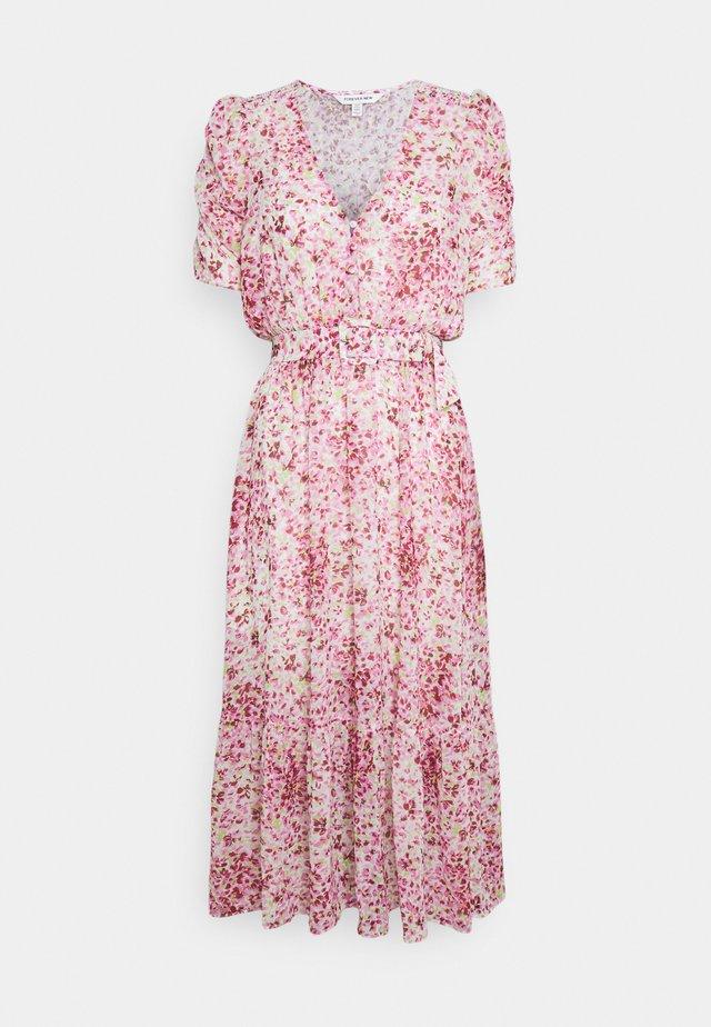 FREYA GATHER SLEEVE MIDI DRESS - Sukienka letnia - pink