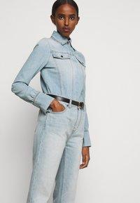 Victoria Victoria Beckham - CALI - Jeans a sigaretta - parisian blue - 4