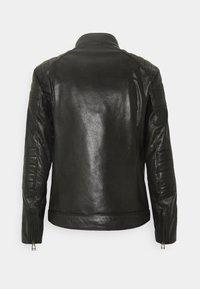 Belstaff - WEYBRIDGE JACKET - Kožená bunda - black - 7
