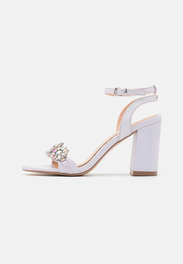 LARA - High heeled sandals - lilac