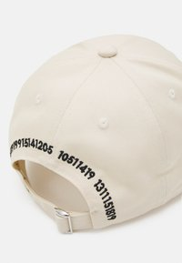Only & Sons - ONSHARVEY NUMBER UNISEX - Cap - off-white - 3