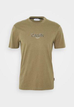 SMALL TONE LOGO - Camiseta estampada - green