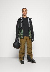 Superdry - EXPEDITION SHELL JACKET - Ski jacket - green - 1