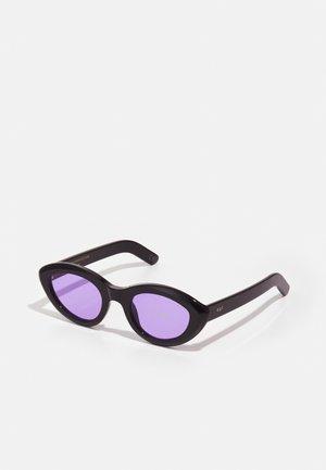 COCCA UNISEX - Zonnebril - purple