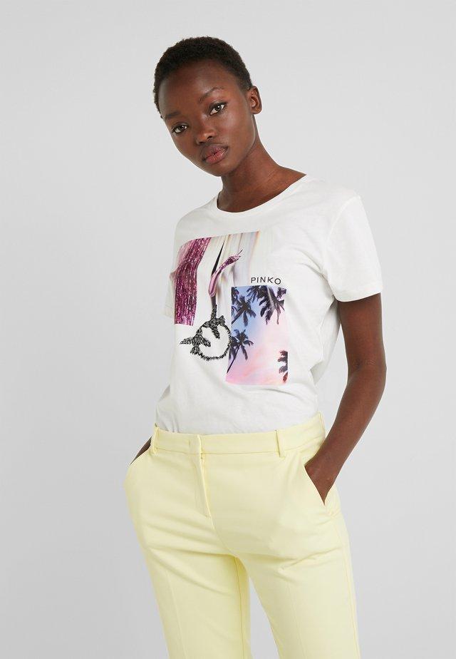 SCONES - T-shirt con stampa - bianco