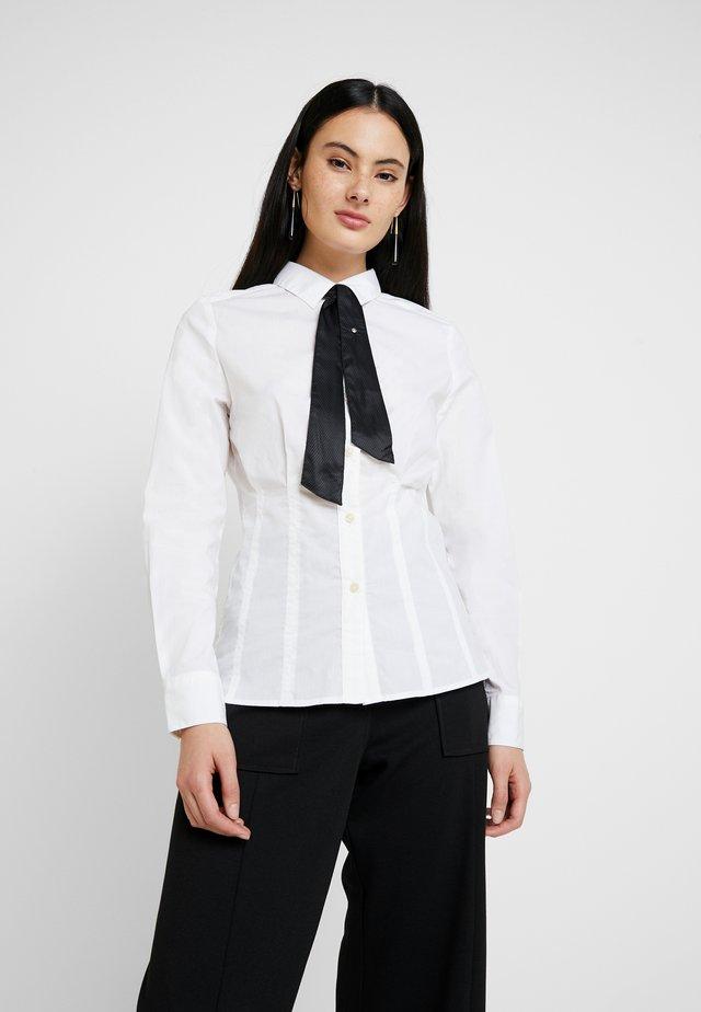 SYENITE SLIM BOW SHIRT WMN L\S - Button-down blouse - white