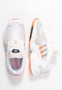 adidas Originals - Sneakers - footwear white/solar orange/clear black - 3