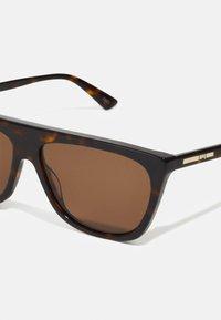 McQ Alexander McQueen - Sunglasses - havana - 3