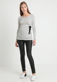 Envie de Fraise - SISSY - Topper langermet - off white/black - 1
