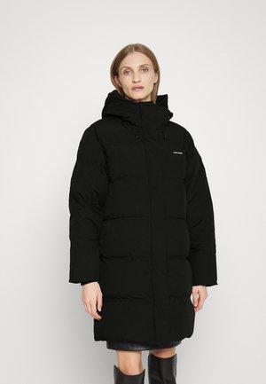 LOEN JACKET - Kabát zprachového peří - black
