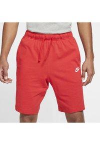 Nike Sportswear - CLUB - Kraťasy - university red/white - 3