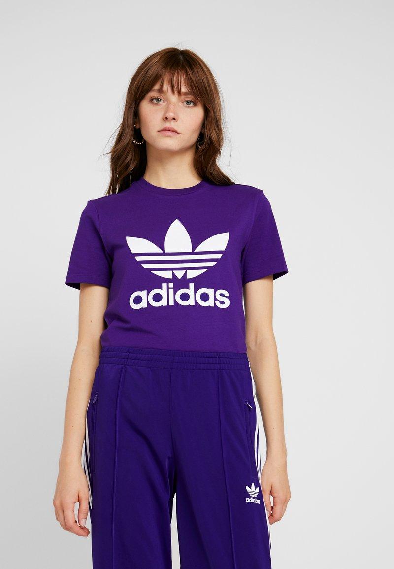 adidas Originals - ADICOLOR TREFOIL GRAPHIC TEE - T-shirt z nadrukiem - collegiate purple